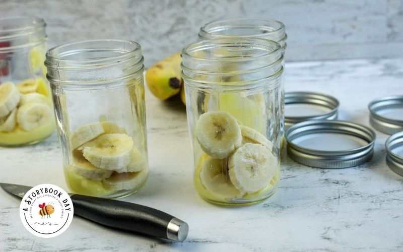 Banana Split Parfaits in a Jar @ aStorybookDay.com