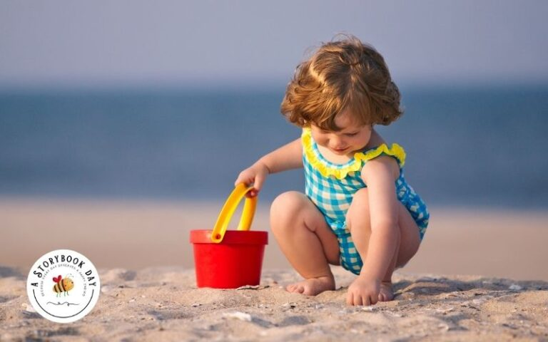 Summer Beach Packing Lists for Moms with Toddlers + Free Printable